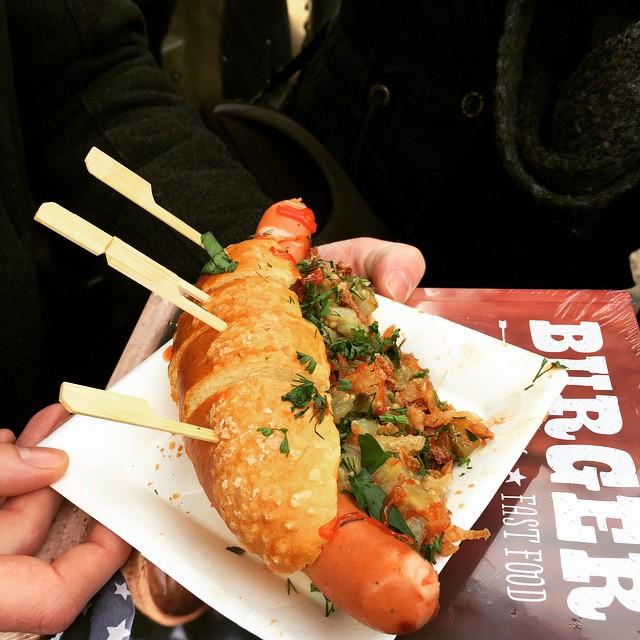 Die Hotdogs vom @thewurstcase sind richtig lecker! #streetfoodfestival