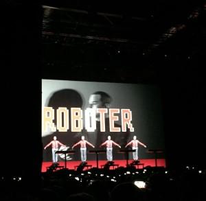 Wir sind die Roboter (auch auf der Bühne ;))