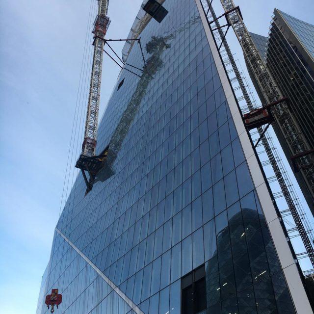 Das wre kein Arbeitsplatz fr mich kran skyscraper london